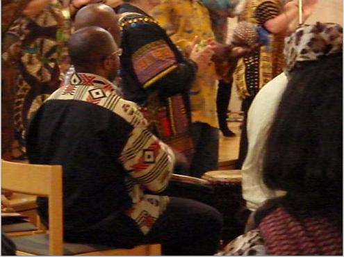 The concert was accompanied by the rhythm of African drums, dancing and singing.